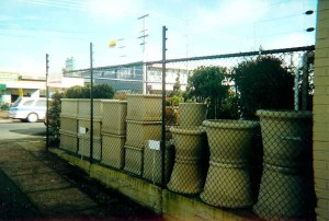 product2-70-PVC-coated-CLM-fence-with-electrics1[1]