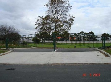 product-41-Westlake-Boys-lower-field-gates-opposite-72-Bond-Street-20-5-07-N2[1]