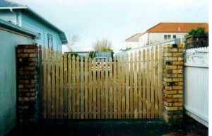 product-74-Copy-of-ERW-picket-gates-front-side1[1]