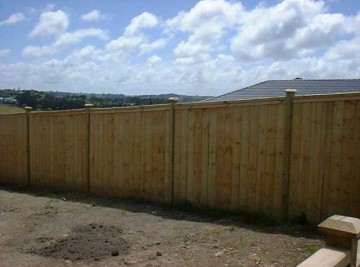 product-80-Inset-paling-fence-with-post-caps-A[1]