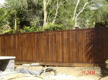 product-87-TGV-style-capped-fence-1[1]