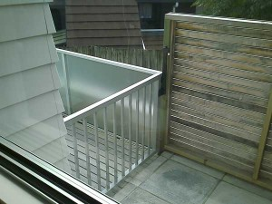 product-Aluminium%20%20with%20glass%20fence%20and%20gate-IMAGE_183[1]