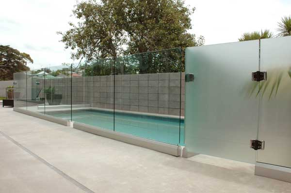 Glass pool fence plus balustrade town and around fence for Glass pool gate