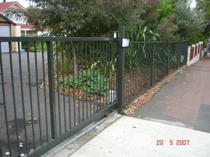 product-Hughes%20construction-Hughes-Construction-222-Kohimarama-Road-sliding-gate-WWS3[1]