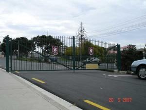 product-Westlake%20Boys-Westlake-Boys-School-entrance-gates-20-5-07-S3[1]