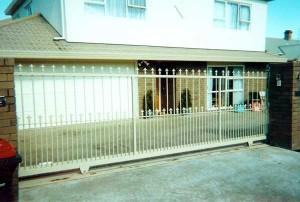 product-Wrought%20Iron%20sliding%20gates-Wrought-Iron-sliding-gate-3[1]