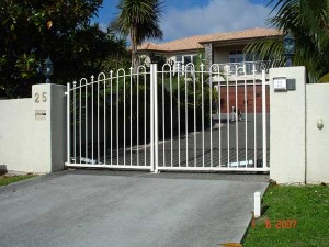 product2-30-25-Mansion-Court-hinged-gates-1-7-07-N-002[1]