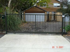product2-34-Hughes-Construction-222-Kohimarama-Road-sliding-gate-WWS2[1]